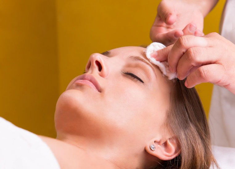 training-massage-face-massage