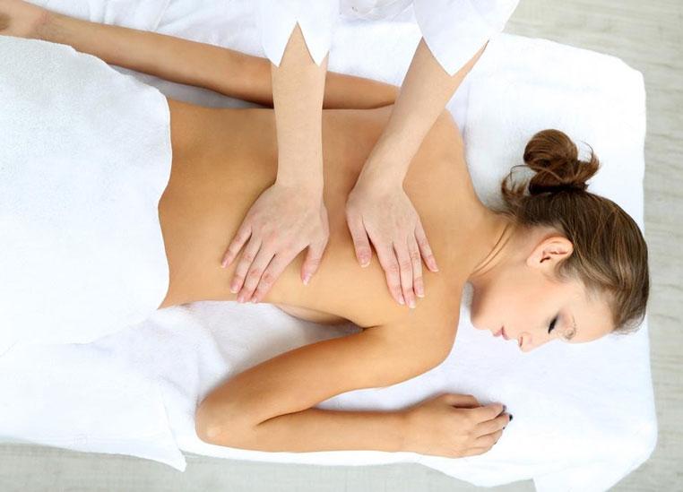 training-massage-practicing-massage-movements
