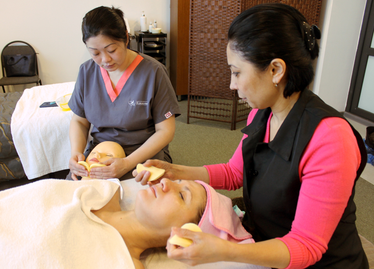 Facial-massage-koreanmed-almaty